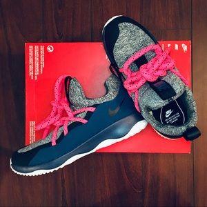 NEW Nike City Loop Sneakers Size 8